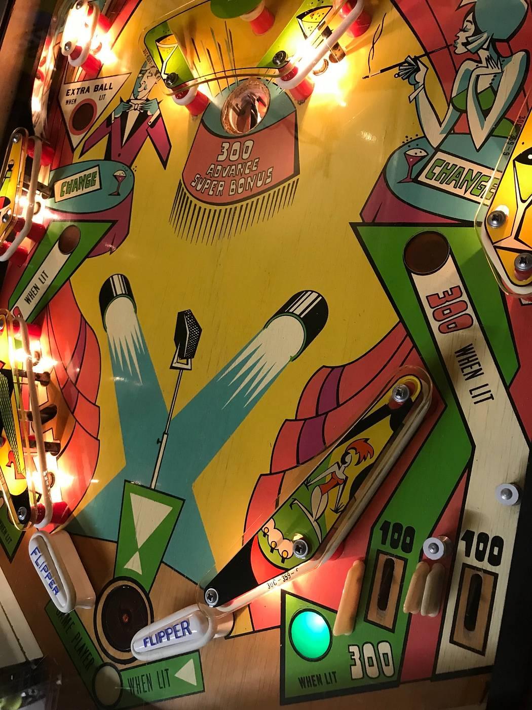 For sale: Cabaret Williams EM Pinball Arcade Machine - for sale