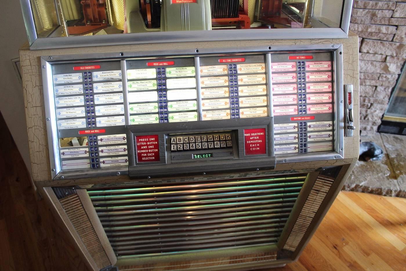 1951 Seeburg M100B Juke box Looks Great plays fine - for sale
