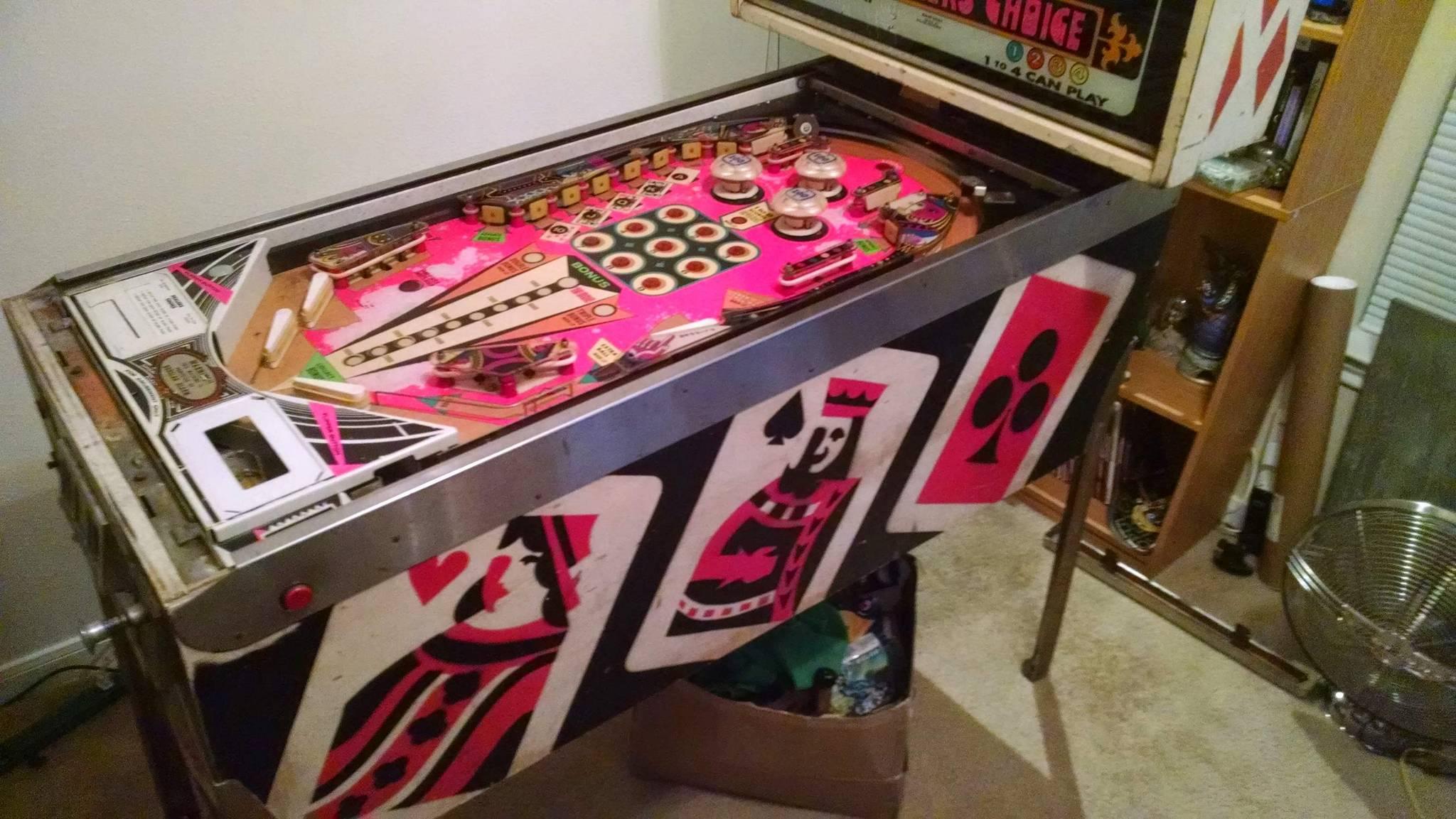 pinball machine dealer