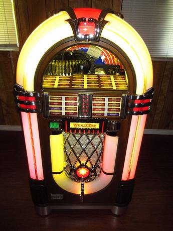 FS: WURLITZER 1015 OMT Jukebox w/1000 45 Records HUO - for